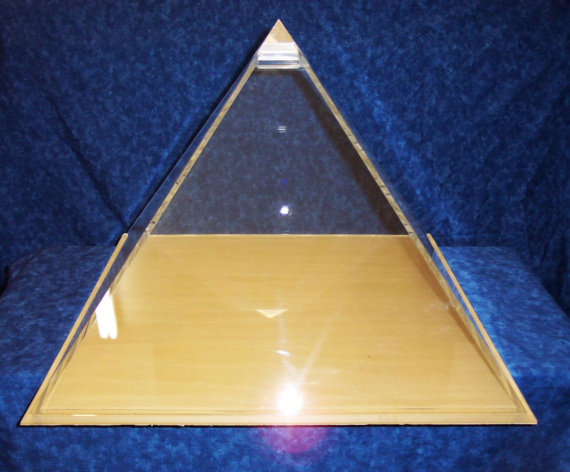 Hollow Plastic Pyramid Display