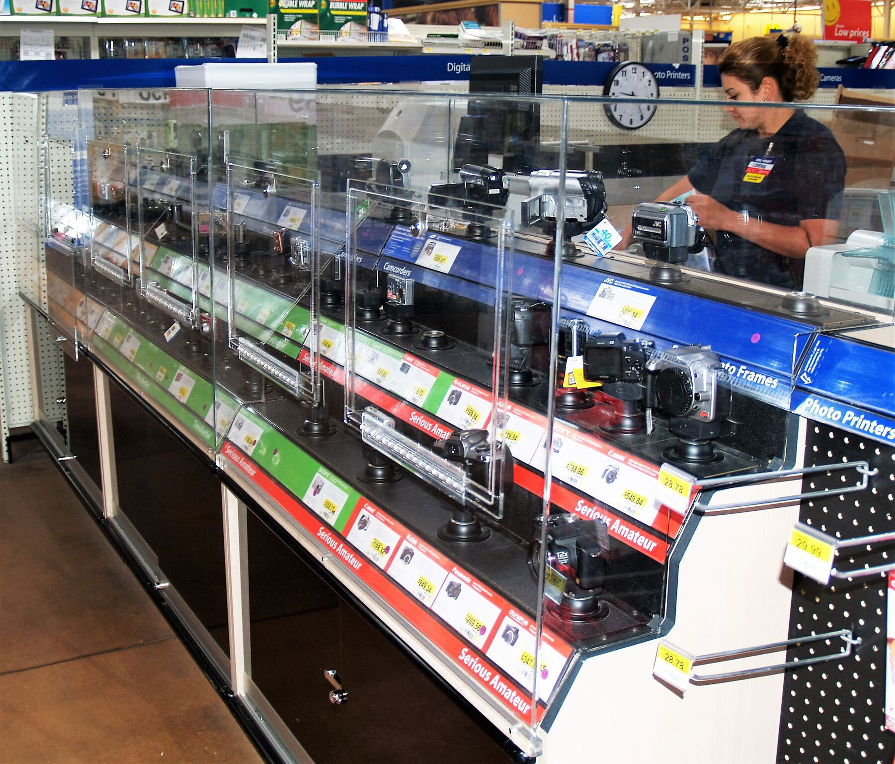 Retail Camera Display Cases