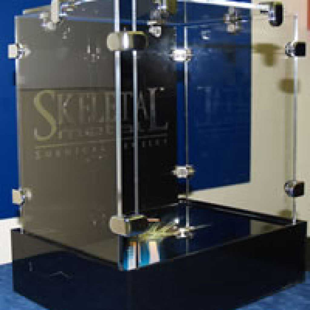 Lighted Secure Plastic Jewelry Display