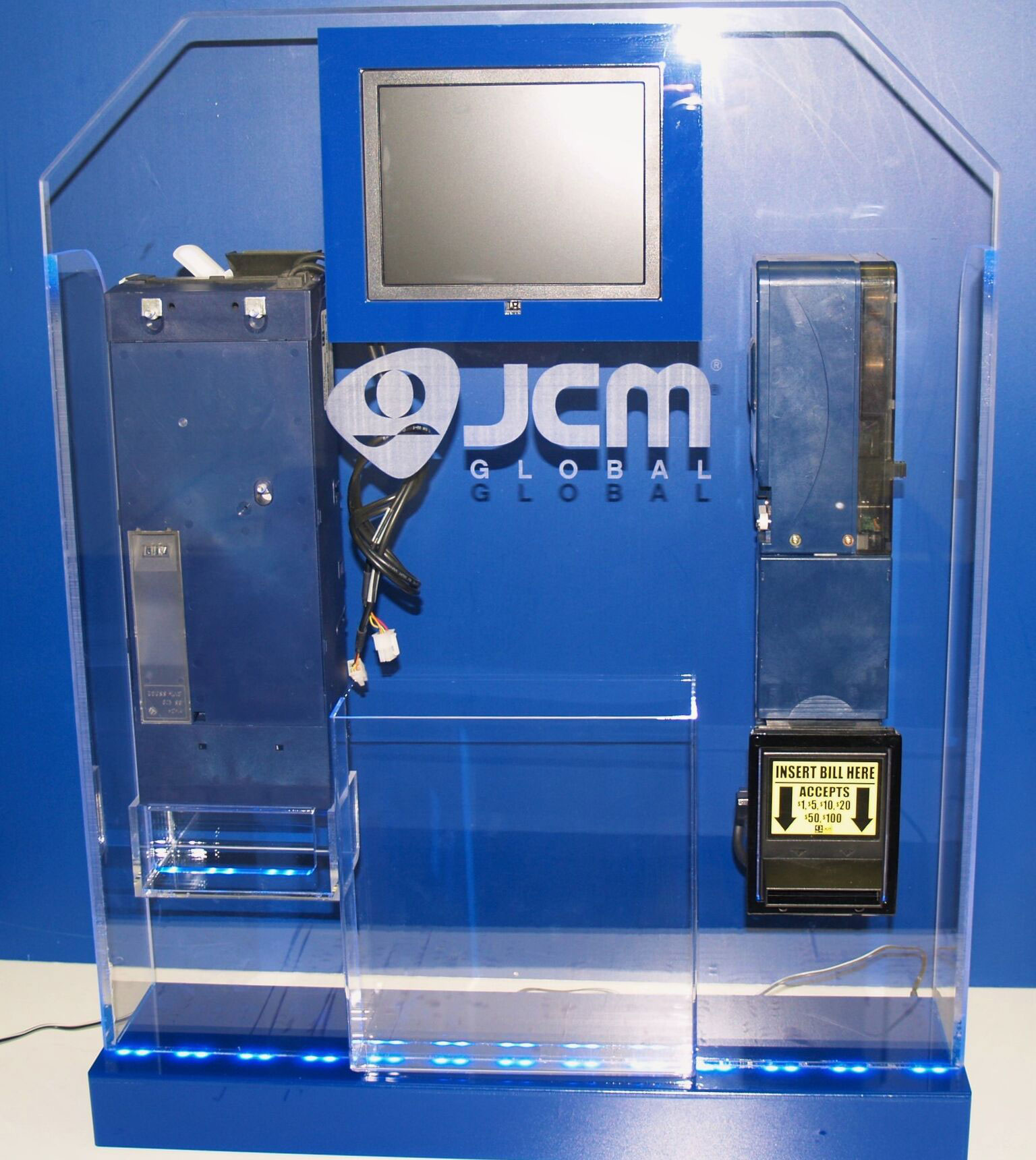 etched logo tradeshow display Case